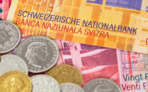 На чем растет швейцарский франк?